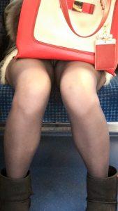 【新電車対面】ロリ顔JDが17分間白パンティ見せっぱなし【6】【スマホ対応】